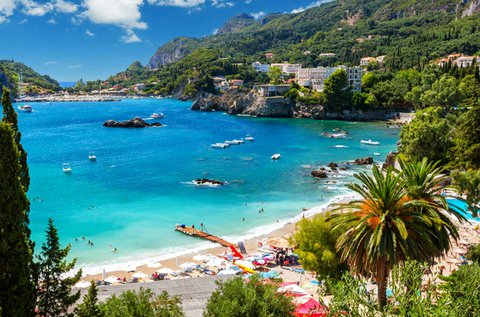 1 hetes nyaralás 4 főre Korfu szigetén, busszal