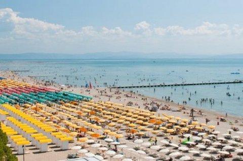1 napos fürdőzés Grado tengerpartján buszos úttal