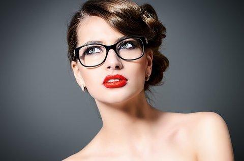 Karcmentes szemüveg trendi Retro márkájú kerettel