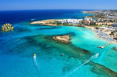 8 napos üdülés a napfényes Cipruson repülővel