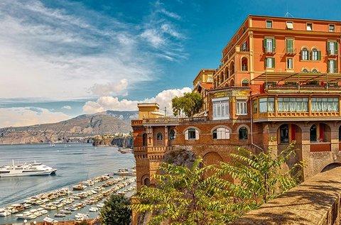 8 napos buszos kalandozás 1 főre Olaszországban