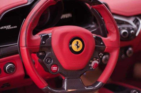 8 körös Ferrari 458 Italia autóvezetés