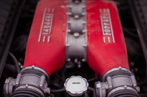 4 körös Ferrari 458 Italia vezetés
