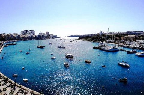 Vakáció a Földközi-tenger partján, Máltán