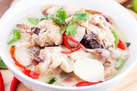 Wokame keleti menü vörös currys tőkehallevessel