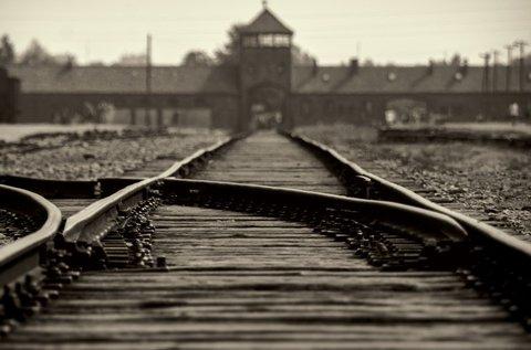 Időutazás Auschwitz-ban és  Krakkóban