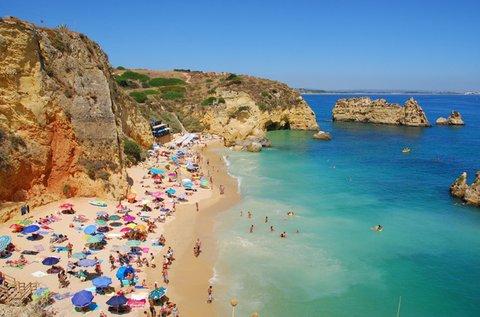 Portugál vakáció homokos tengerparton, repülővel