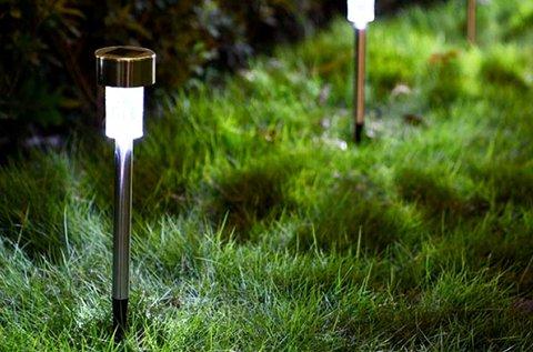 10 db leszúrható napelemes kerti lámpa