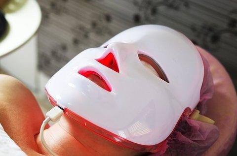 LED-maszk kezelés + arc-, nyak-, dekoltázsmasszázs