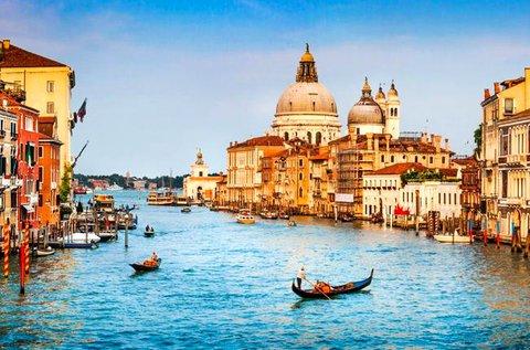 Romantikus pihenés repülővel Velence mellett