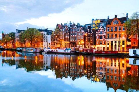 Felejthetetlen kiruccanás Amszterdamba repülővel