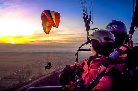 10 perces siklóernyős tandemrepülés videóval