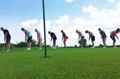Golfalapozó csapatépítő program a Balatonnál