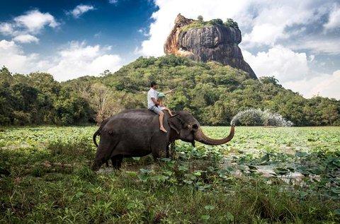 Felejthetetlen körutazás Srí Lankán repülővel
