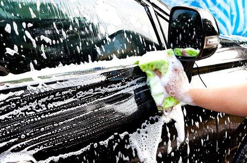 Külső-belső autómosás felnitisztítással