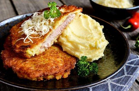 Hétvégi menü húslevessel, rántott csirkemellel