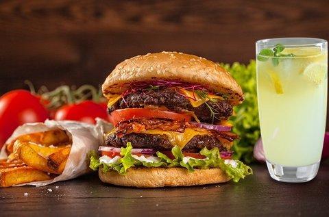 8 féle hamburger sült krumplival és üdítővel