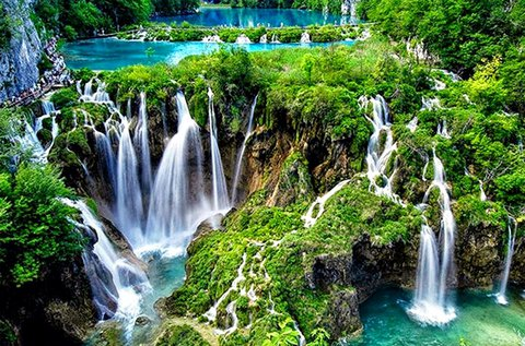 Látogass el a gyönyörű Plitvicei Nemzeti Parkba!