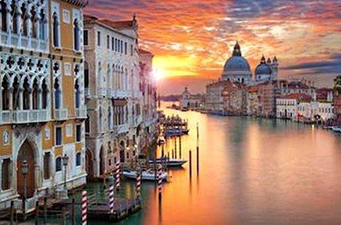 Izgalmas kirándulás 1 főnek a Velencei Regattára