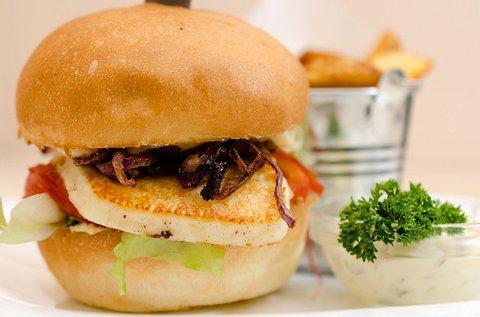 Hamburger vagy kecskesajt burger 2 fő részére