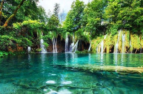 Őszi kirándulás 1 főnek a mesés Plitvicei-tavakhoz