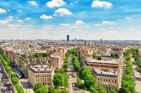 Romantikus városnézés Párizsban repülővel