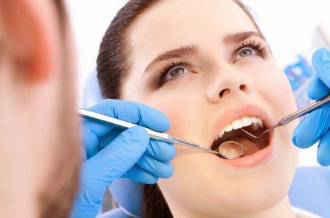 Lézeres fogínykezelés teljes alsó és felső fogsoron
