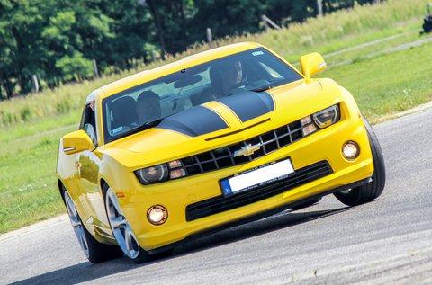 3 körös száguldás Chevrolet Camaroval