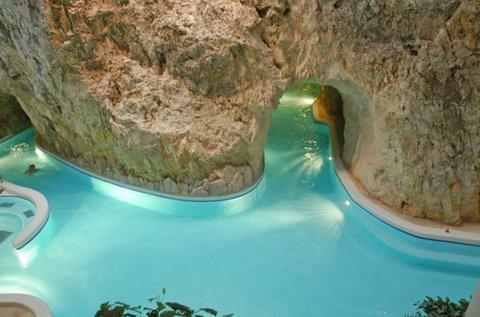 Hétvégi wellness Miskolcon Barlangfürdő belépővel