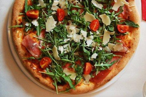 Választható tésztaétel vagy vékony tésztás pizza