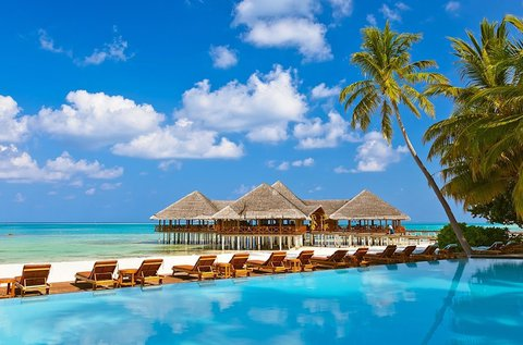 Álomnyaralás a Maldív-szigeteken repülővel