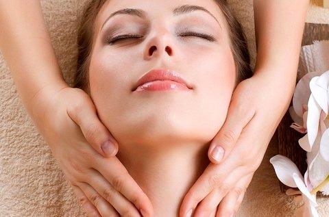 Relaxáló arc-, nyak- és dekoltázsmasszázs