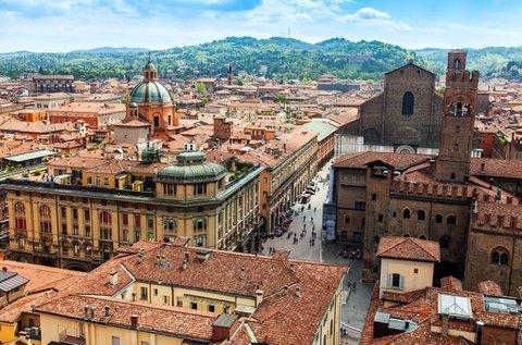 Fantasztikus városlátogatás Bolognában repülővel