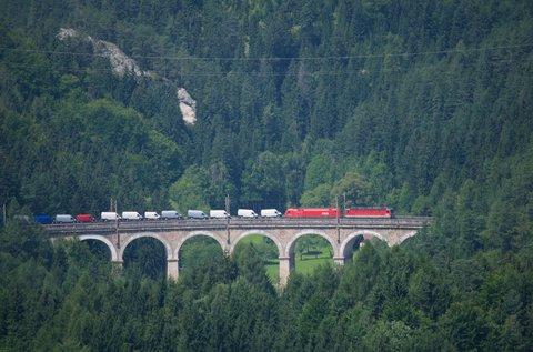 Páratlan őszi utazás vonatozással Ausztriában