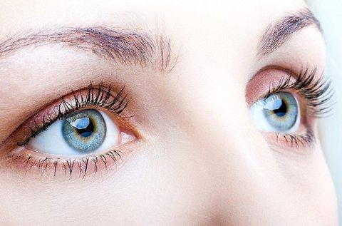 Felső szemhéj korrekció mindkét szemre