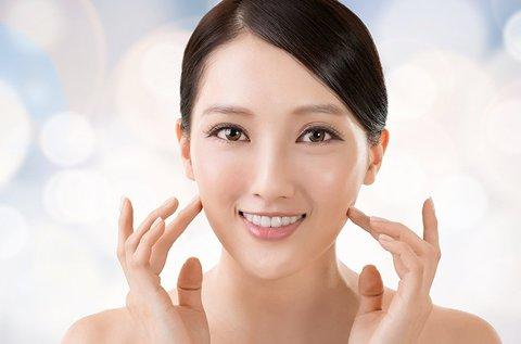 Bőrfeszesítő hyaluronsavas arcfeltöltés