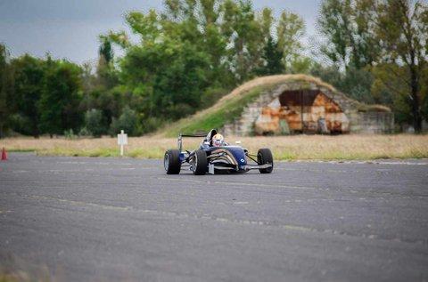 3 körös Formula Renault vezetés Kiskunlacházán