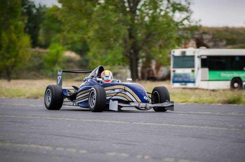 6 körös Formula Renault versenyautó vezetés