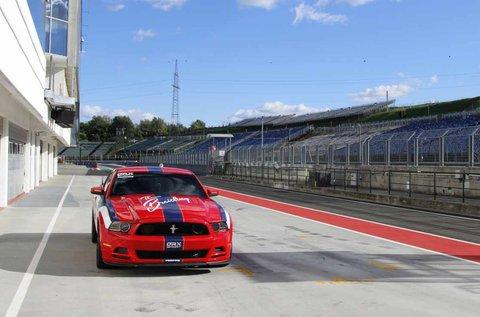 6 körös Mustang 302 Boss élményvezetés