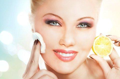 Tónusjavító C-vitaminos arckezelés