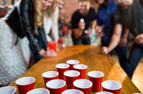 Beer Pong 2 főre 20x3 dl Arany Ászok sörrel