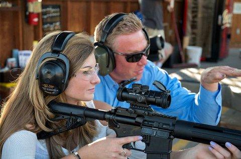 Élménylövészet 85 lövéssel, 3 különböző fegyverrel