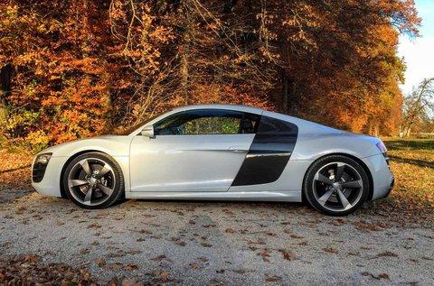 Audi R8 V8 élményvezetés versenypályán