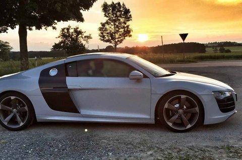 2 körös élményvezetés Audi R8 V8 csúcsjárgányal