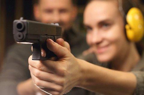 74 lövéses élménylövészet pisztollyal és puskával
