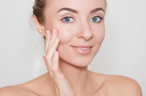 Ózonos bőrfertőtlenítő kezelés arcmasszázzsal