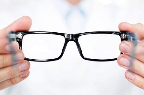 Egyfókuszú szemüveg készítése Essilor lencsével
