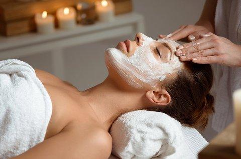 Regeneráló arckezelés aknés vagy heges bőrre
