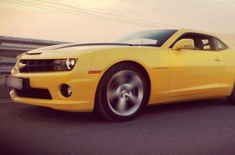 3 körös száguldás Chevrolet Camaróval