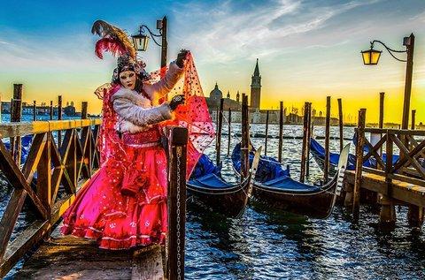 Buszos kirándulás a Velencei Karneválra